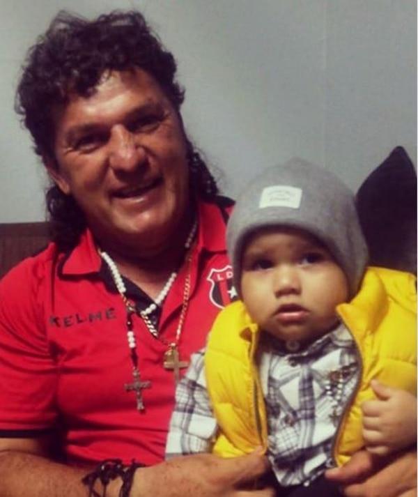 Su nieto Gael, de 10 meses, está internado en el Hospital de Niños desde hace varios días. Tomada de Facebook