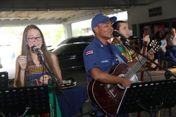 Kenneth Mayorga fue uno de los oficiales que recibieron reconocimiento por su gran labor. Foto: MSP.