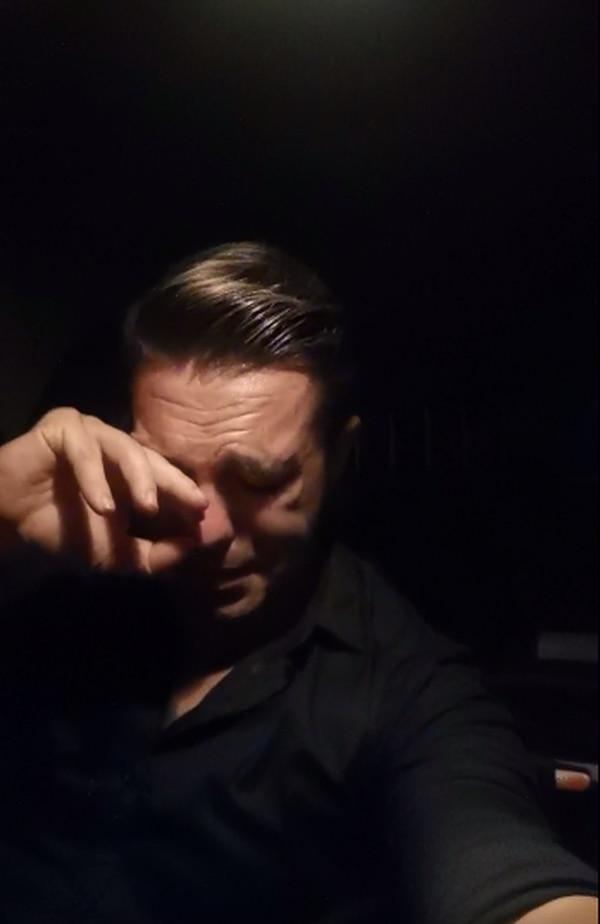 Entre lágrimas, el presentador contó detalles de lo que siente. Facebook.