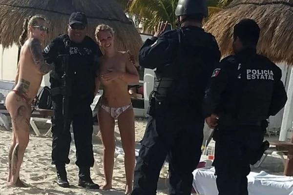 Los oficiales cayeron en la tentación y ahora fueron suspendidos. Infobae