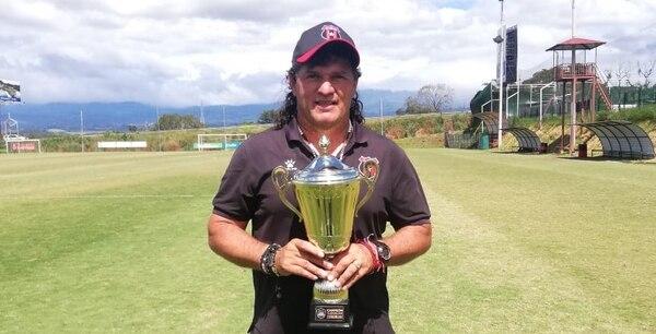 El Chunche tenía 13 años dirigiendo en las divisiones menores de Alajuelense. Cortesía.