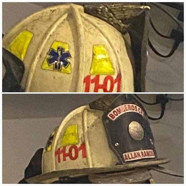 El casco es muy significativo porque lleva las marcas de las emergencias que ha atendido. Foto: Bomberos