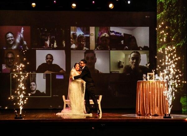 Keyla Milton y Luis Rodríguez cumplieron su deseo de casarse en media pandemia gracias a una rifa que hizo el Museo de los Niños. Cortesía