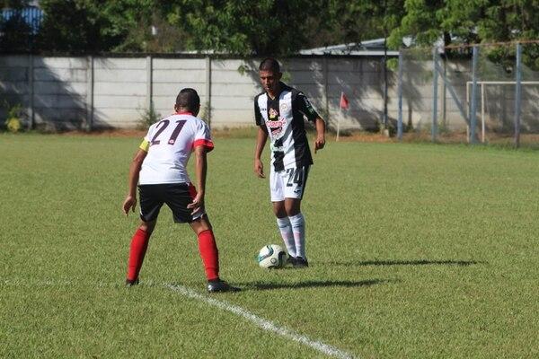 Sebastián Barquero (24) en un juego de la liga de Nicaragua. Fotografía: Cacique Diriangén