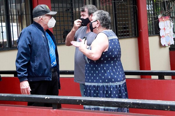 La pareja se encontró con don Elías y él les recomendó que fueran a poner la denuncia. Foto: Rafael Pacheco.