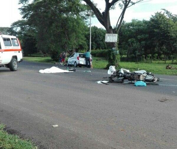 El motociclista murió en el acto. Foto: Andrés Garita