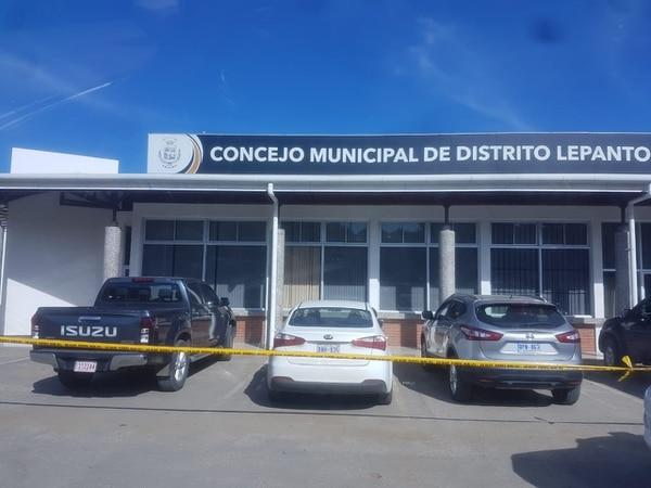 El OIJ allanó el Concejo Municipal de Lepanto. Foto: Cortesía para LT