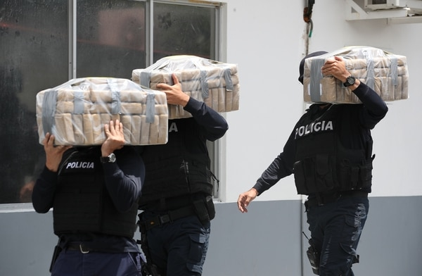 En los reportajes de Greivin Moya se confirma que hay poderosos intereses negros, de la mafia, detrás de los tiempos clandestinos, como el tráfico de droga. Foto John Durán.
