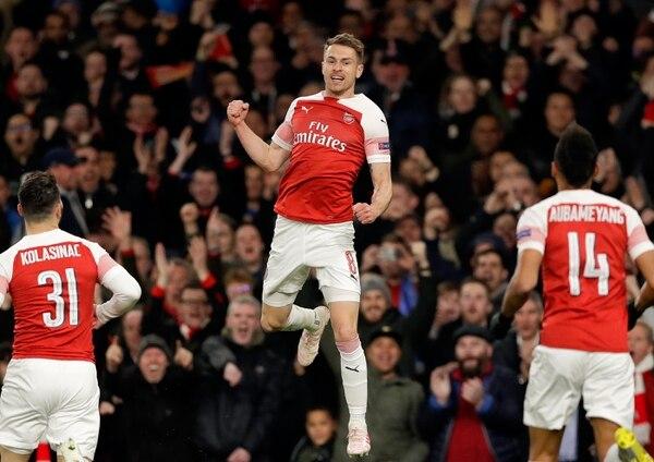 Arsenal se sonó al Valencia de España en las semifinales. (AP Photo/Kirsty Wigglesworth)