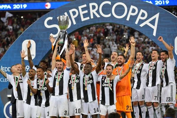La Juventus sumó su octava Supercopa de Italia, un trofeo que había perdido en los últimos dos años. Foto: AFP