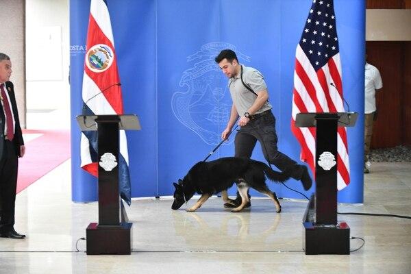 En Casa Presidencial también se tomaron medidas extremas de seguridad, para recibir al secretario gringo. Jorge Castillo.