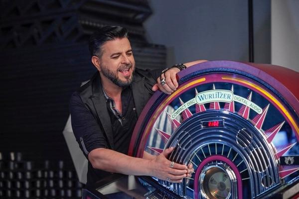 22 agosto 2014 La Aurora, Heredia. El cantante nicaragüense de música salsa Luis Enrique, durante una sesión de fotos para su nuevo albúm. FOTO: Jorge ARCE /LN,