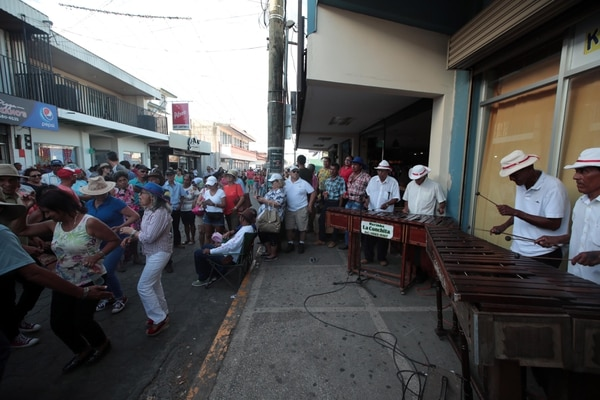 Los marimberos santacruceños no tocarán en la calle como es la tradición. Foto: Alonso Tenorio