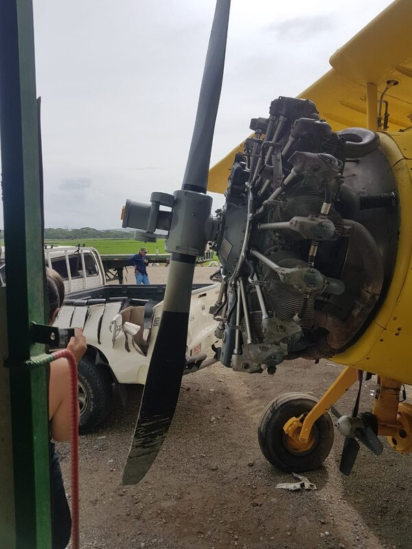 Un trabajador estaba limpiando la avioneta y la hélice empezó a moverse. foto: Cortesía para LT.