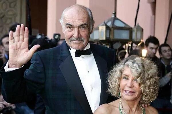 La pintora francesa Micheline Roquebrune contó que su esposo murió rodeado de su familia. AFP