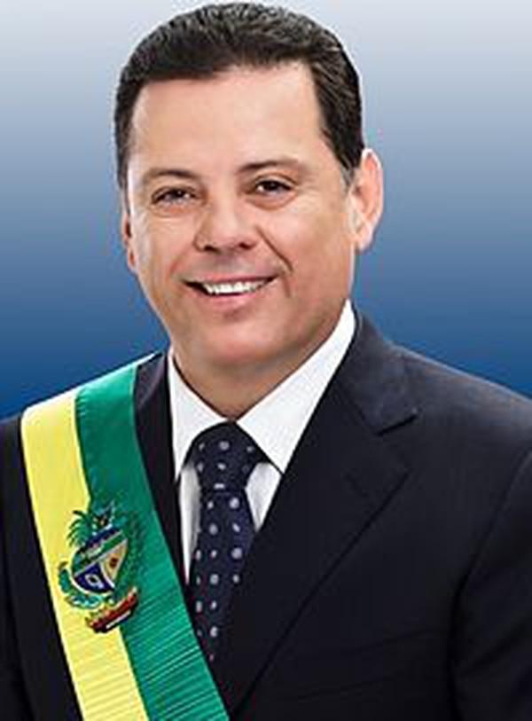 El primo segundo del jugador ha estado por varios años como gobernador.