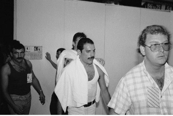 Mercuri se dio cuenta de su enfermedad en 1987. El País.