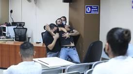 (Video) Asesino tiró una mesa y gritó al escuchar condena por homicidio de Rosberly Córdoba
