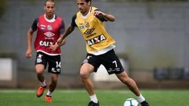 Bryan Ruiz no le cierra las puertas al fútbol costarricense