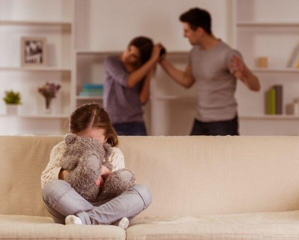 Los niños y niñas deben aprender desde sus hogares a romper con cualquier forma de violencia y entender que ambos pueden ser importantes para la sociedad. shutterstock.com.