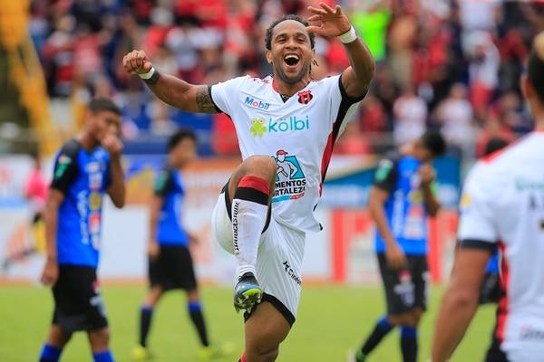 Jonathan McDonald se reencontró con el gol. Rafael Pacheco
