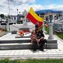 Familia decoró con banderas de Heredia la tumba de su bisabuela