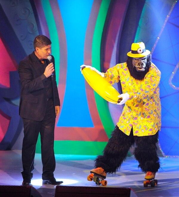En el 2013 se volvió a poner el traje de gorila para salir en El Chinamo. Archivo