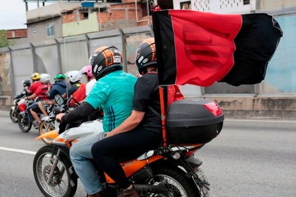 La bandera rojo y negra del Flamengo se vio por todo lado. AFP