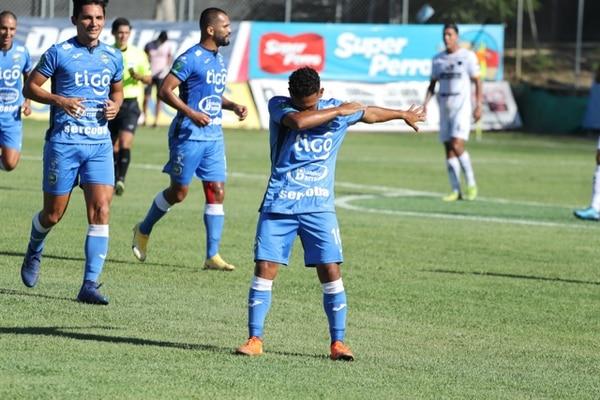 Rocha llegó a su tercer pepino con el huracán en el partido contra Herediano. Prensa Jicaral.