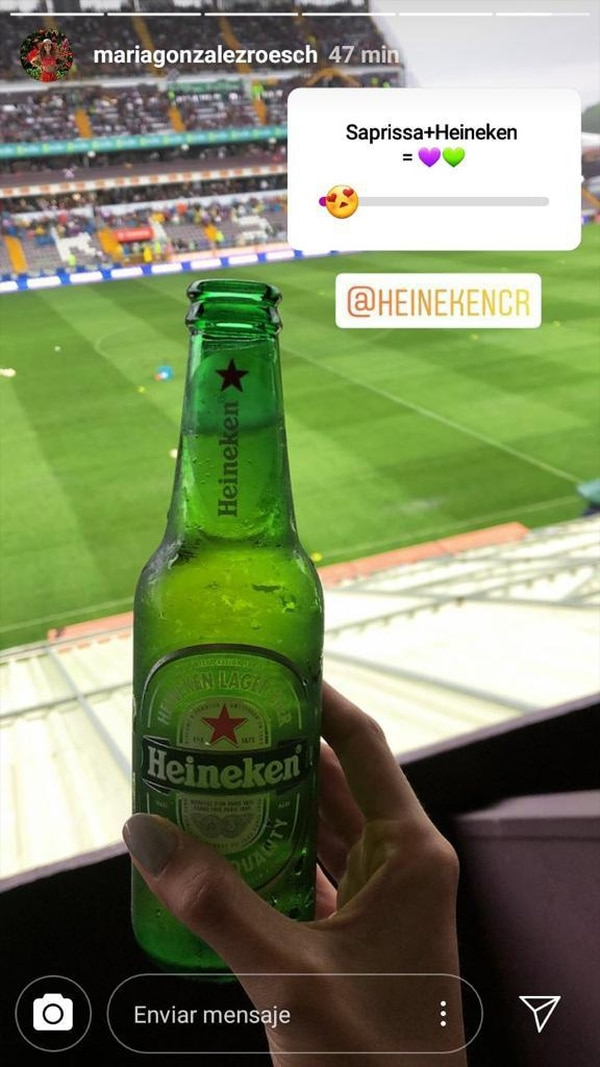 En los estadios se supone que es prohibido tomar cerveza. Foto: Instagram