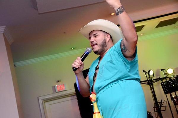 Nando, el loco, es el primer personaje que se invitó para ganar algo de platica haciendo show privados. Cortesía