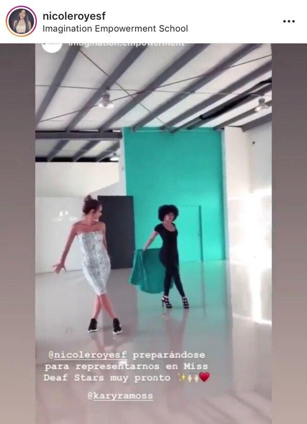 La exmiss Costa Rica le está enseñando todos sus trucos en la pasarela a Nicole. Instagram.
