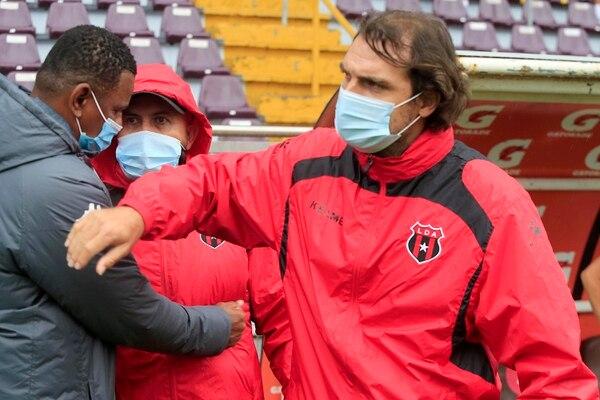 La Liga de Andrés Carevic se echó a otro técnico, ahora le tocó a Roy Myers este domingo. Foto: Rafael Pacheco