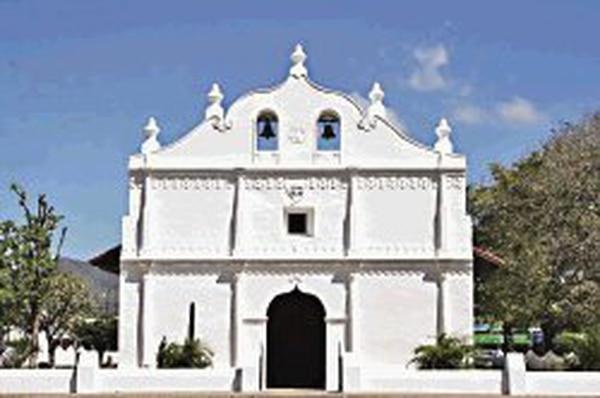 La fachada de la iglesia ha sido restaurada luego del terremoto del 2012. Foto: Archivo.