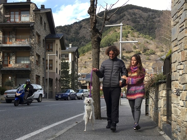 Marco Trungelliti y su esposa Nadir, quien dice que su pareja ha sufrido mucho estrés con todo esto. AP