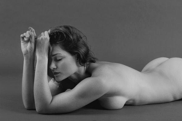 Raquel Castro busca dentro de sus fotografías, que las mujeres se animen a amarse a sí mismas y aceptarse como son. Foto: Cortesía Raquel Castro.