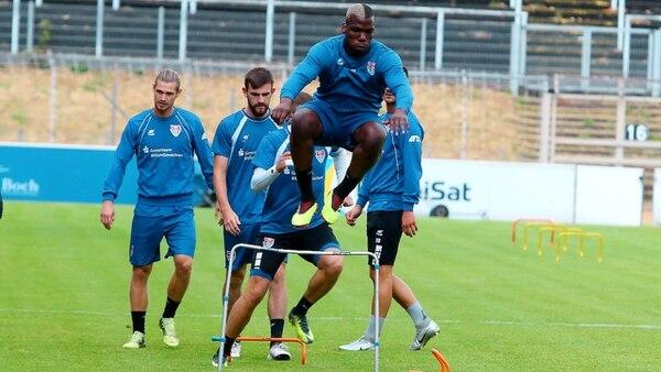 Mathias tendrá que ponerle más ganas a los entrenamientos si quiere conseguir equipo. Tomada de www.bild.de