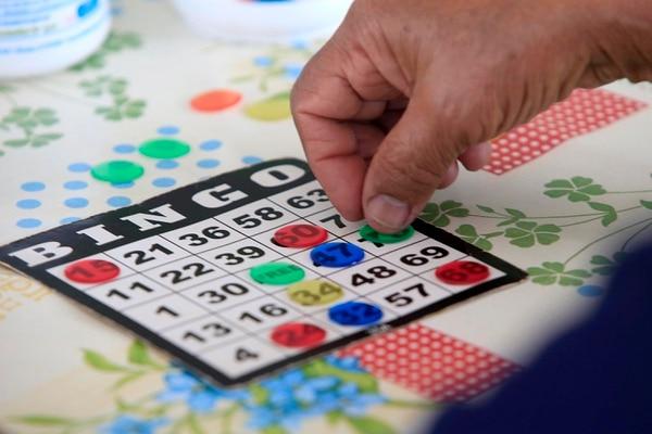 Al jugar este bingo virtual ayudará a futuros sacerdotes. Foto: Rafael Pacheco