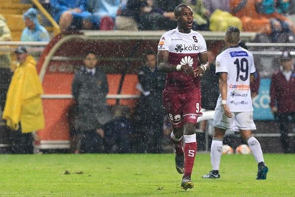 Castillo no ha sido de los favoritos de Paté, aunque en el último juego fue de titular. Foto: Rafael Pacheco