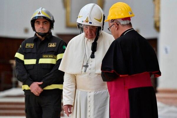 La falla en la electricidad le jugó la mala pasada al pontífice.