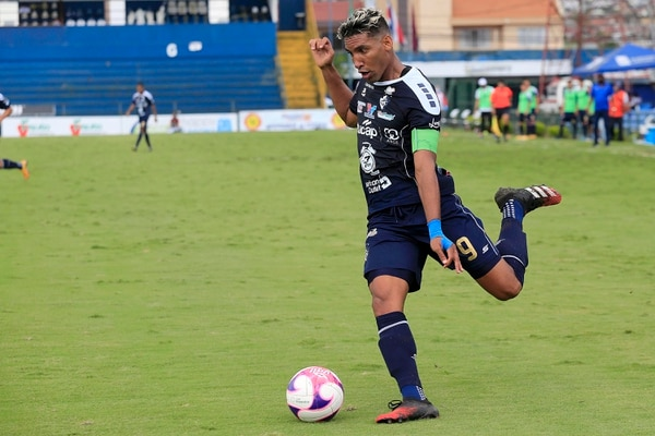 La opción que Marcel Hernández pase a Alajuelense tampoco es tan clara hoy por hoy. Foto: Rafael Pacheco