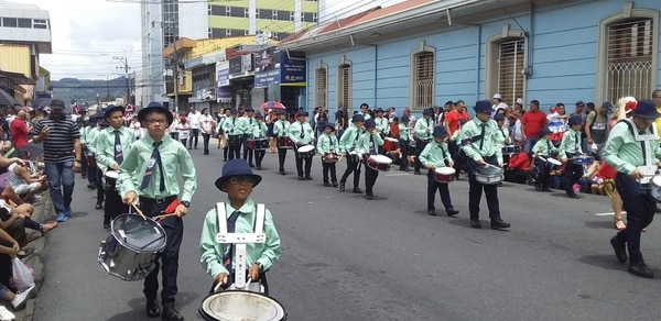 Banda de la escuela Julián Volio, integrada en gran parte por estudiantes de preescolar. Foto: Karen Fernández