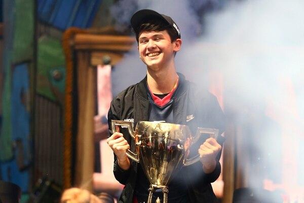 Lo que muchos llaman vagancia, convirtió en millonario a este joven de 16 años. AFP