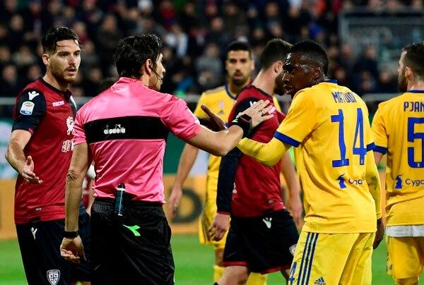 Matuidi tuvo muchos colerones en la visita a Cagliari. Foto: AFP / MIGUEL MEDINA