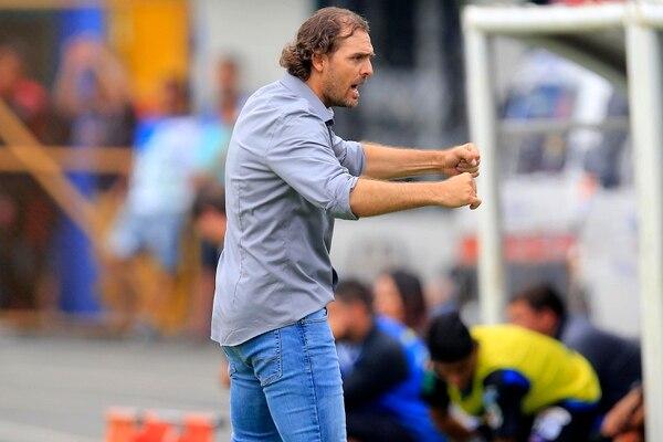 Carevic echó mano de la parte motivacional para cambiarle la cara a Alajuelense en el segundo tiempo. Rafael Pacheco