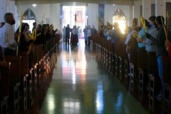 Esta vez las parroquias no pudieron hacer procesiones fuera del templo. Foto: Rafael Pacheco.
