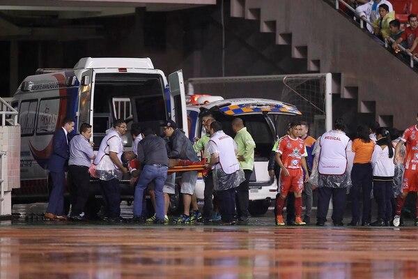 El IVA hará más caro el costo de la ambulancia que debe estar en el estadio. José Cordero