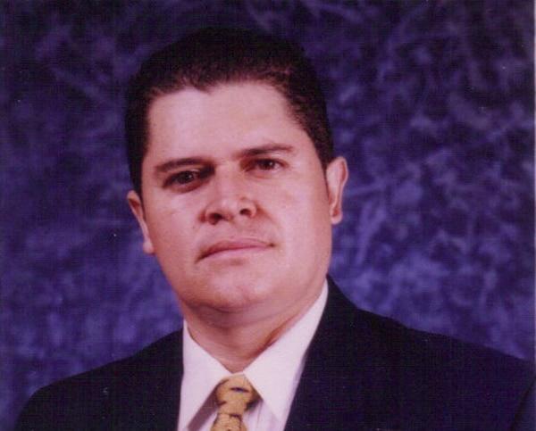 Durman Deliyore es pastor del Movimiento Dejando Huellas.