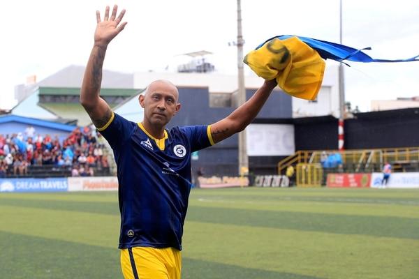 Erick Marín agredece a las dos aficiones los aplausos que le brindaron. Foto: Rafael Pacheco