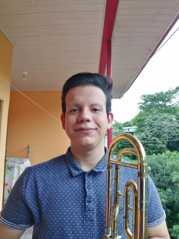Jason salió del colegio Napoleón Quesada el año anterior. Foto: Cortesía